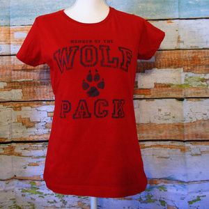 3 for 20$ Member of the Wolf Pack T-shirt Medium